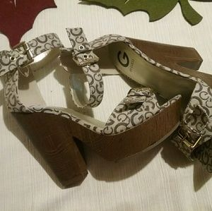 Guess Sultry Platform Heel Buckle Logo 10M *NEW*
